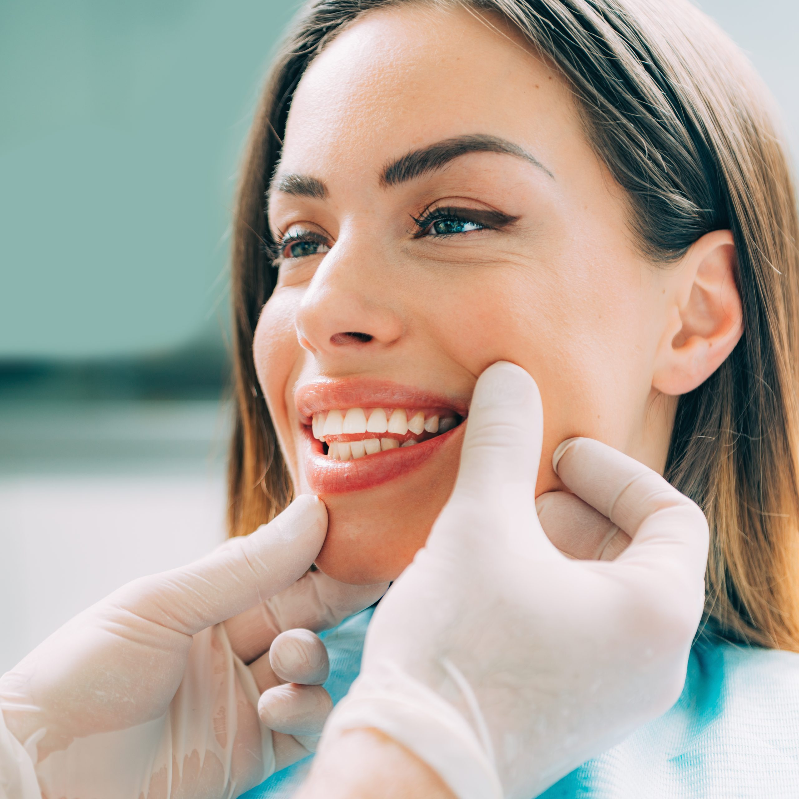 WHAT ARE THE BENEFITS OF COSMETICS DENTISTRY